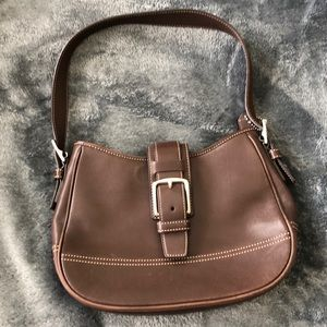 COACH SMALL BROWN LEATHER BAG